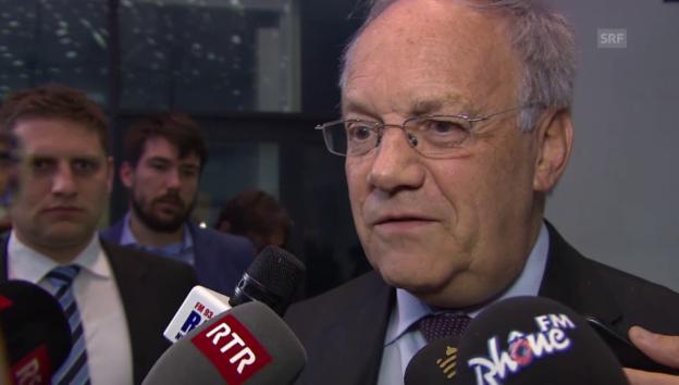 Video «Bundesrat Schneider-Ammann zum SNB-Entscheid» abspielen