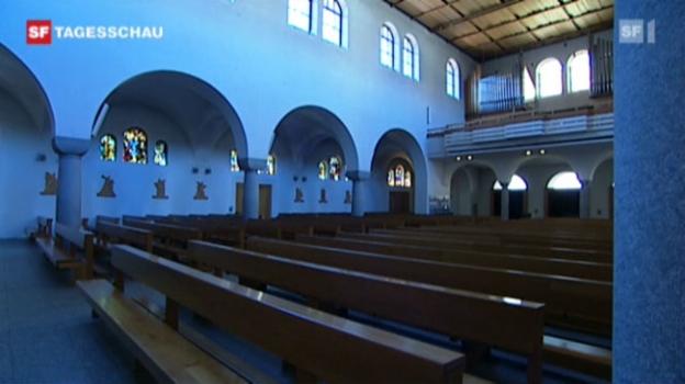 Video «Anzahl der Kirchenaustritte steigt an» abspielen