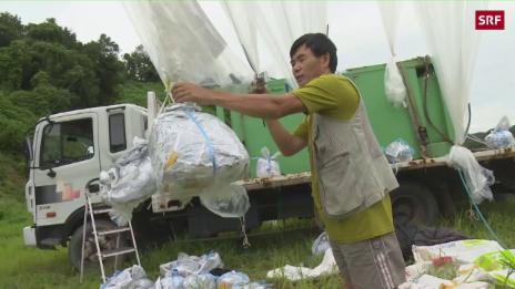 Link öffnet eine Lightbox. Video Aktivist schickt Ballons nach Nordkorea abspielen