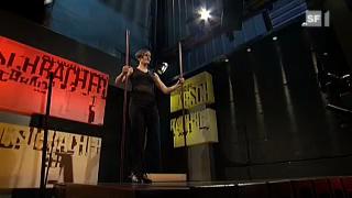 Ania Losinger auf dem Bodenxylophon