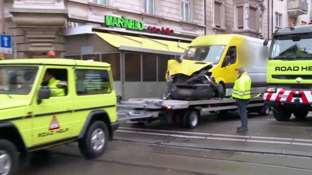 Video ««Tacho» - Steinschlag, Abschleppdienst & Kastenwagen» abspielen