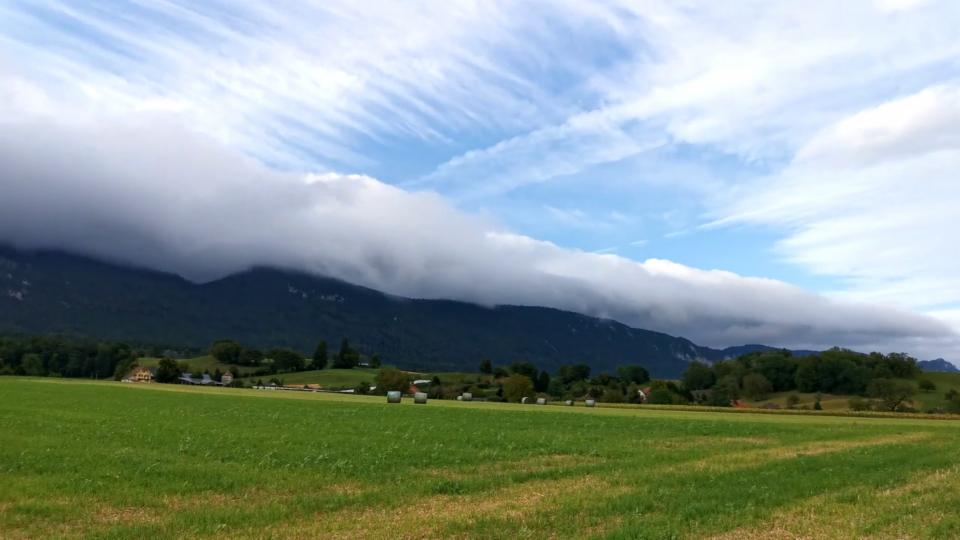 Wolken am Jurasüdfuss, Haag/SO, SRFMeteoVideo von Daniel Lopez