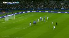 Link öffnet eine Lightbox. Video Cristiano Ronaldo trifft per Freistoss abspielen