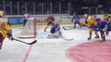 Video «Eishockey: ZSC Lions-Servette, Tor Simek» abspielen