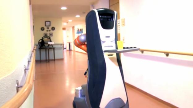 Video «Roboter helfen im Altersheim» abspielen