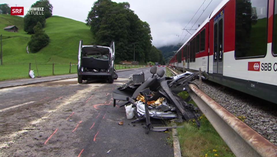 Tödlicher Unfall am Bahnübergang