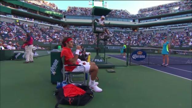 Video «ATP Indian Wells: Federers Diskussion mit dem Schiedsrichter» abspielen