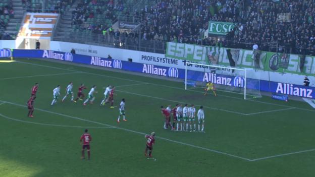 Video «Fussball: Super League, FCSG - Vaduz, Lattentreffer Burgmeier» abspielen