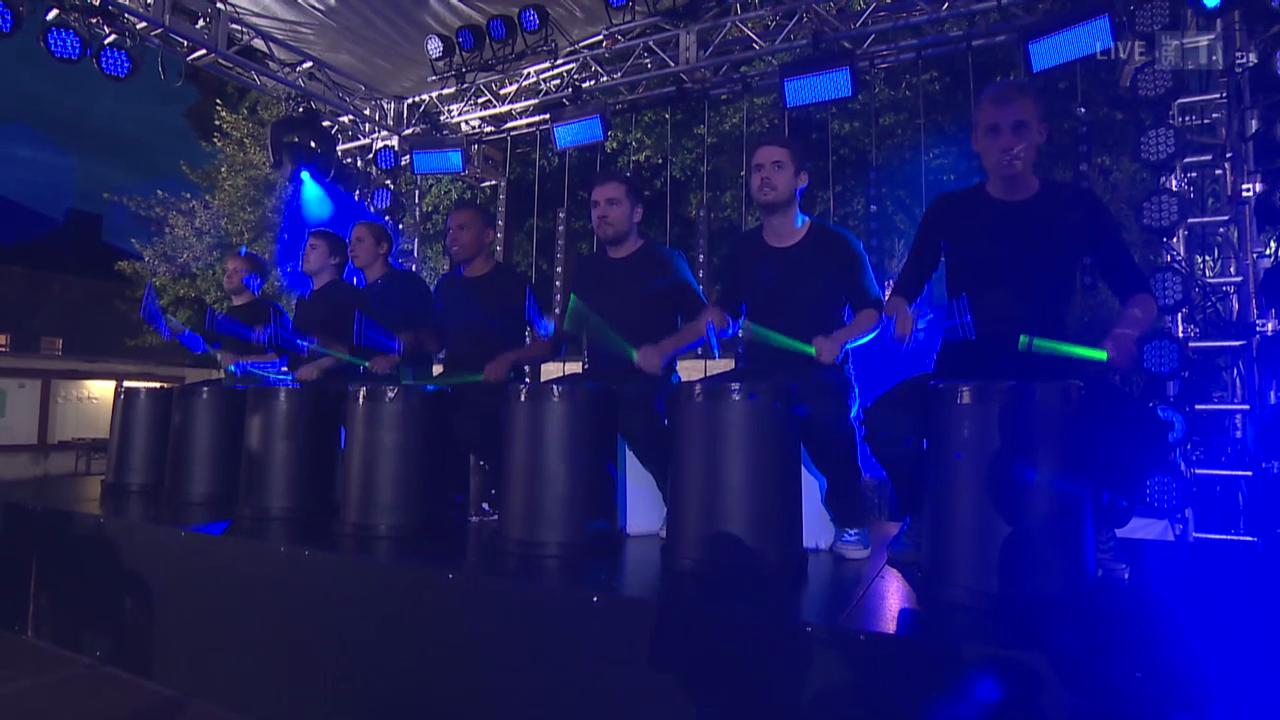 «Stickstoff» mit ihren unglaublichen Drumkünsten