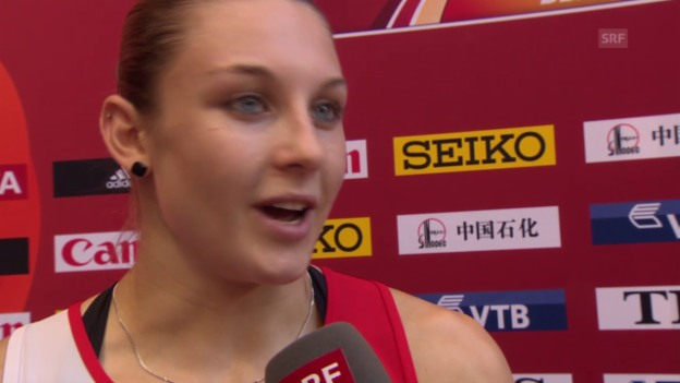Video «Leichtathletik: WM 2015 in Peking, 100 m Hürden, Vorlauf, Interview Noemi Zbären» abspielen