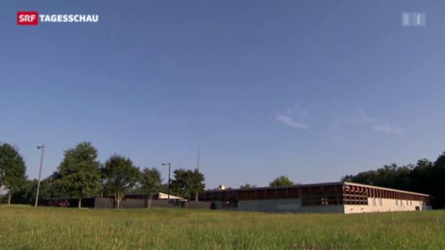 Video «Asyl-Unterkunft auf Waffenplatz» abspielen