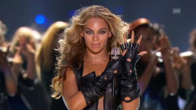 Video «Beyoncés Auftritt am Super Bowl» abspielen