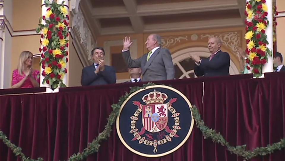 Juan Carlos beim Stierkampf nahe Madrid (unkommentiert)