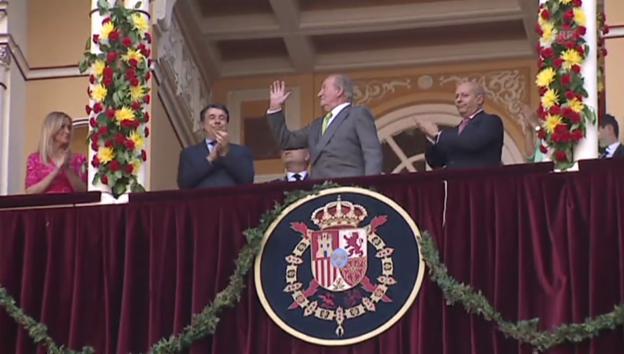 Video «Juan Carlos beim Stierkampf nahe Madrid (unkommentiert)» abspielen