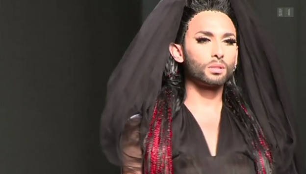 Video «Conchita Wurst im Mode-Olymp: Haute Couture in Paris» abspielen