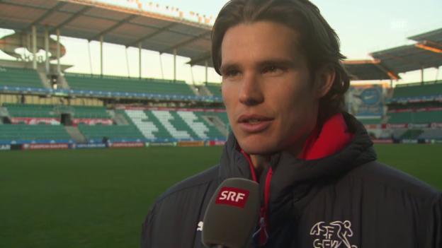 Video «Fussball: EURO-Quali, Interview Hitz vor Estland-Spiel» abspielen