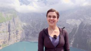 Video «Die etwas andere Wanderung der Nina Burri» abspielen