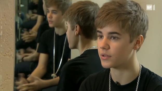 Video «Inmitten der Bieber-Mania vor dem Hallenstadion» abspielen