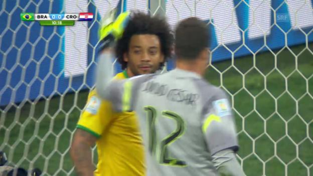 Video «Fussball: WM 2014, BRA-CRO, Eigentor Marcelo» abspielen