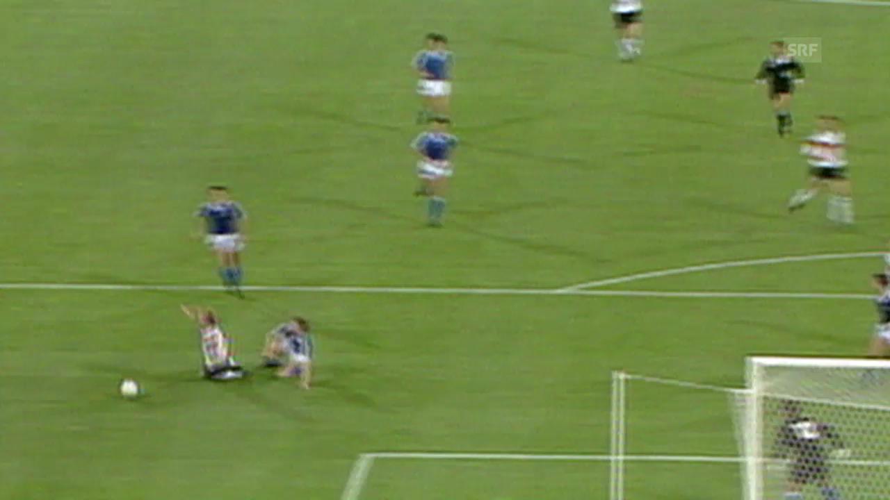 Fussball: WM 1990, GER-ARG, Völler-Schwalbe, Brehme-Penalty