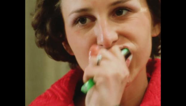 Video «Kassensturz vom 29.03.1974: Zahnpasta-Verpackungstrick» abspielen