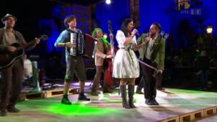 Video «Trauffer & Band mit «Geissepeter»» abspielen
