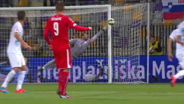Video «Fussball: Nationalmannschaft, Slowenien - Schweiz, Pfostenschuss von Haris Seferovic» abspielen