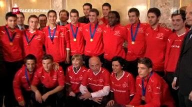 Fussball-Weltmeister im Bundeshaus (Tagesschau, 8.12.2009)