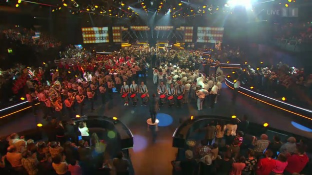 Video «Grand Opening mit allen 7 Orchestern» abspielen