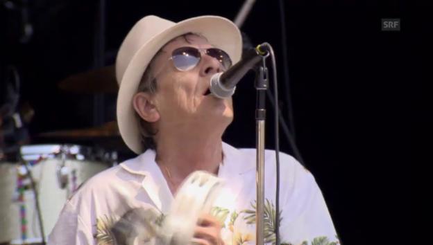 Video «Polo Hofer und Band - «Alperose» (Gurtenfestival 2015)» abspielen