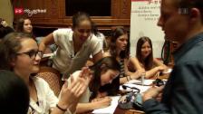 Link öffnet eine Lightbox. Video Politik und Gesellschaft: Abstimmen und mitbestimmen (8/12) abspielen