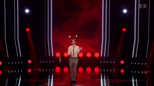 Video «Toni Bauhofer zeigt Comedy-Jonglage» abspielen