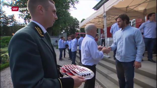 Video «Die Hockey-Nati zu Gast bei Bundespräsident Ueli Maurer.» abspielen