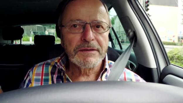 Video «Fahreignung von Senioren - Umstrittene Kontrollen beim Arzt» abspielen