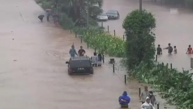 Video «Überschwemmungen in Jakarta (ohne Ton)» abspielen