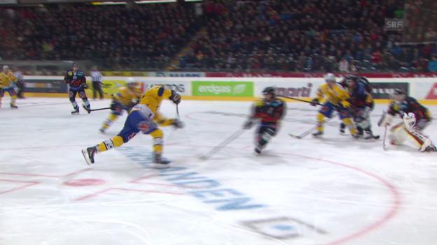 Video «Eishockey: Playoff-Halbfinal, 1. Runde, Zusammenfassung Bern - Davos» abspielen