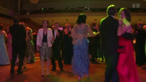 Video «Offensive und Defensive auf dem Tanzparkett» abspielen