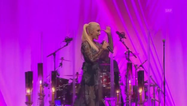 Video «Gwen Stefani performt am Staatsbankett» abspielen