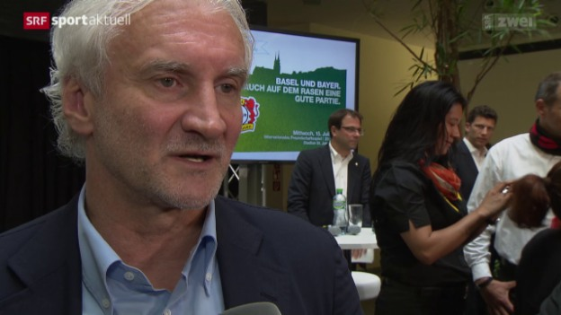 Video «Fussball: Rudi Völler und die Schweizer in Leverkusen» abspielen