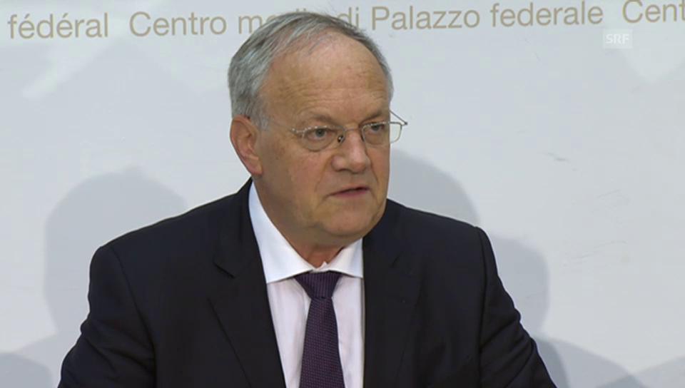 Johann Schneider-Ammann spricht SNB das Vetrauen aus