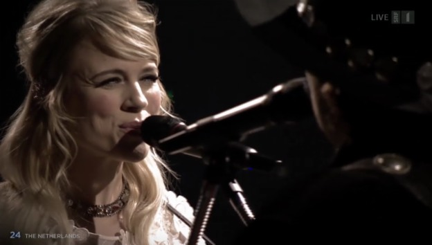 Video «Niederlande: The Common Linnets mit «Calm After The Storm»» abspielen