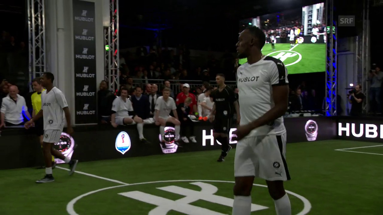 Usain Bolt kickt mit Maradona