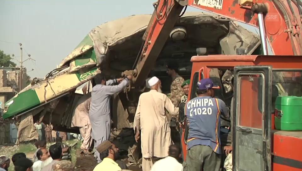 Rettungsarbeiten in Karachi