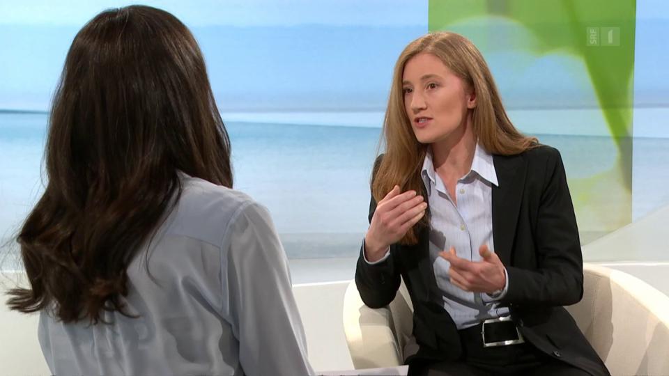 Studiogespräch mit Wirtschaftsgeografin Karin Schwiter, die für Ihre Forschungsarbeit zahlreiche Interviews mit Betreuerinnen und Schweizer Familien geführt hat.