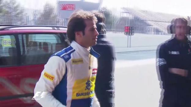 Video «Formel 1: Felipe Nasrs Sauber muss abtransportiert werden» abspielen