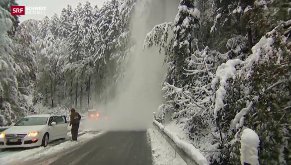Erster Schnee verursacht Verkehrsprobleme