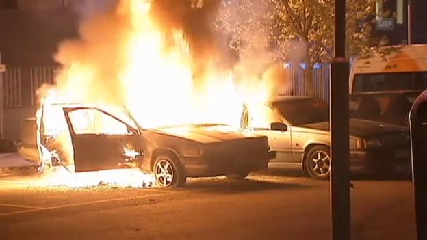 Video «Brennende Autos in Stockholm (Originalton)» abspielen