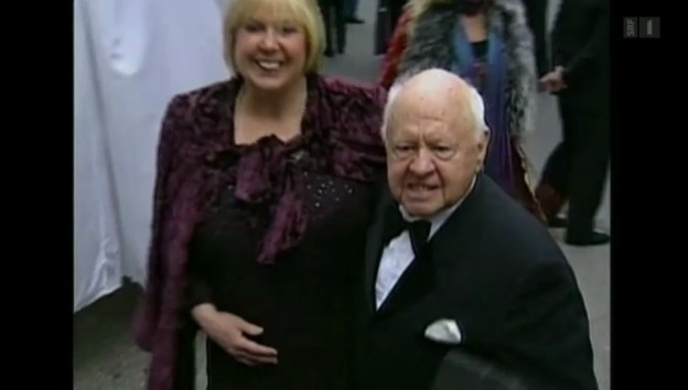 Video «Hollywood-Legende Mickey Rooney ist tot» abspielen