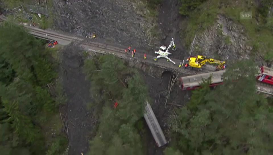 Helikopterflug über die Unfallstelle