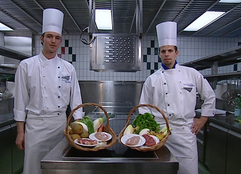 Video «20.03.07: Weitgereiste Lebensmittel: Essen mit Beigeschmack» abspielen
